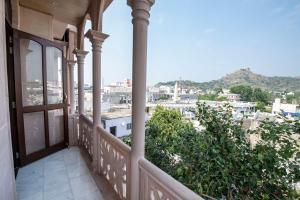 A balcony or terrace at Jashoda Mystic Haveli