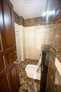 A bathroom at Jashoda Mystic Haveli