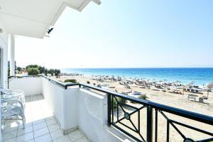 Parveke tai terassi majoituspaikassa Dodeca Sea Resort
