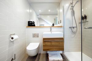 Salle de bains dans l'établissement Wilde Aparthotels by Staycity Edinburgh Grassmarket