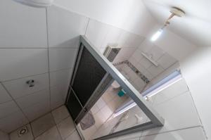 A bathroom at Hostel Barra