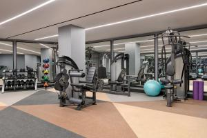 The fitness centre and/or fitness facilities at Hotel Indigo - Williamsburg - Brooklyn, an IHG Hotel