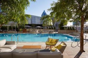 The swimming pool at or near Kimpton Sawyer Hotel, an IHG Hotel