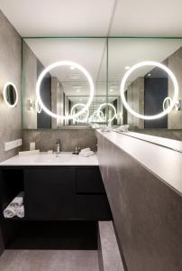 A bathroom at KPM Hotel & Residences