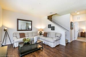 A seating area at Intimate & Upscale - 4 Bdm Townhome townhouse