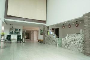 Lobby/Rezeption in der Unterkunft Best Western PLUS Monterrey Colon