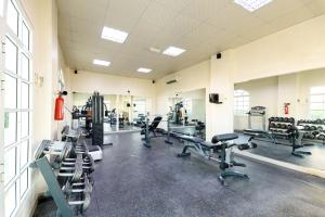 The fitness center and/or fitness facilities at OYO 125 Manam Sohar Hotel Apartments