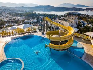 Uitzicht op het zwembad bij Afytos Bodrum of in de buurt