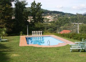 Бассейн в Casa do Val или поблизости