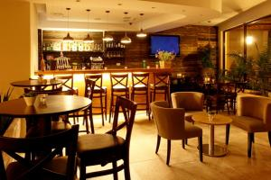 A restaurant or other place to eat at Ramot Resort Hotel