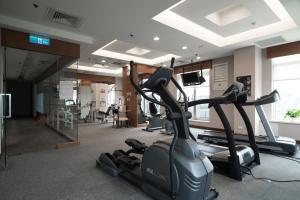 桃園翰品酒店健身房和/或健身器材