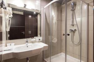 A bathroom at Sea Galaxy Hotel Congress & Spa