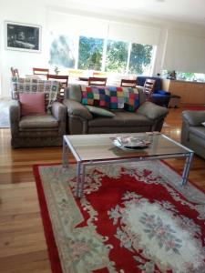 A seating area at Clarelee Belgrave Accommodation