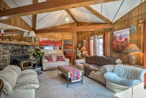 A seating area at Home with San Juan Mountain Views-2 miles to Ouray!