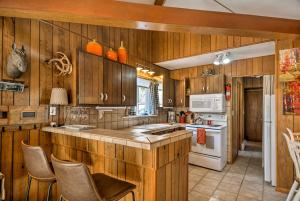 A kitchen or kitchenette at Home with San Juan Mountain Views-2 miles to Ouray!