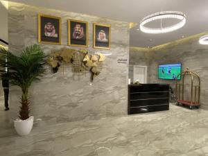 O saguão ou recepção de Sadan Furnished Apartments