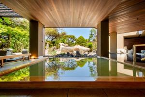 The swimming pool at or near Toyako Manseikaku Hotel Lakeside Terrace
