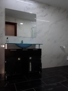 A bathroom at Pensión Saint Mateo