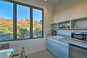 A kitchen or kitchenette at 2-Acre Sedona Casita with Deck and Red Rock Views!
