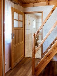 Łazienka w obiekcie U SYLWI Domki Drewniane
