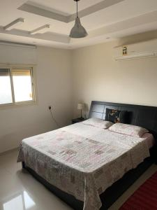 Cama ou camas em um quarto em Your Ideal Home