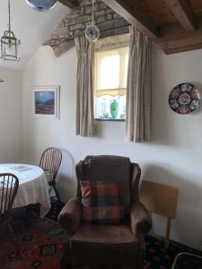 A seating area at Ivy Cottage