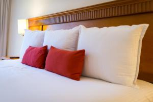 Ein Bett oder Betten in einem Zimmer der Unterkunft The Reef Coco Beach & Spa- Optional All Inclusive