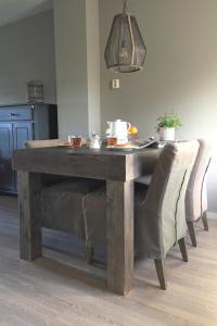 A kitchen or kitchenette at Hoeve Schevey
