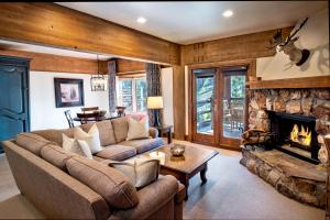 A seating area at Stein Eriksen Lodge Deer Valley