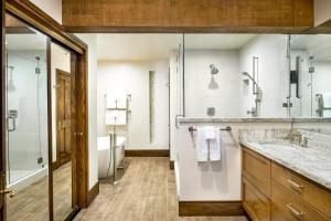 A bathroom at Stein Eriksen Lodge Deer Valley