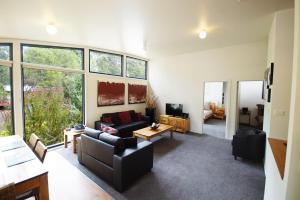 A seating area at Glengarriff Townhouse 2