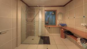 A bathroom at RiverSong Retreat