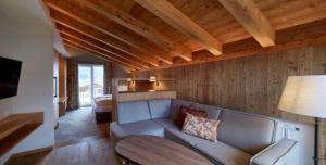 Ein Sitzbereich in der Unterkunft Alpenjuwel Rohnenspitze