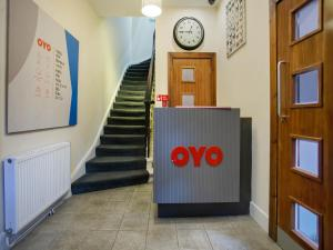 The lobby or reception area at OYO The Ivory Hotel