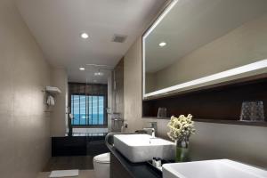 A bathroom at Samui Palm Beach Resort - SHA Plus