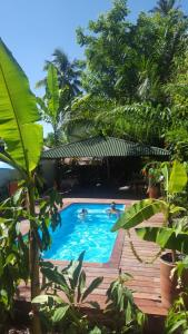 The swimming pool at or close to Zimbo Tropical