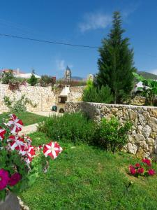 Giardino di Divaria Villas