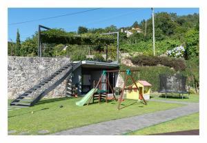 Children's play area at Eira dos Canastros