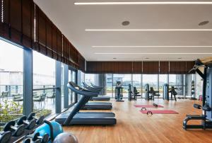 The fitness centre and/or fitness facilities at The Ritz-Carlton, Pune