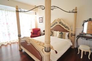 陽光滿屋民宿房間的床