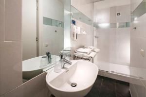 A bathroom at H2OTEL Rotterdam