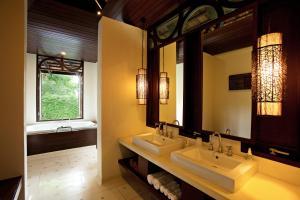 A bathroom at The Vijitt Resort Phuket