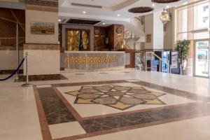 O saguão ou recepção de ضيافة الرجاء - Al-Raja Hotel