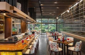 Ресторан / где поесть в Dusit Thani Manila