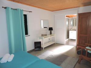 A kitchen or kitchenette at Casa do Bica