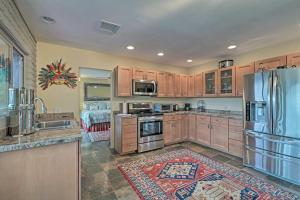 A kitchen or kitchenette at Quiet Boho House with Red Rocks Views, Walk to Trails
