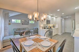 A restaurant or other place to eat at Modern Flagstaff Home with BBQ, Walk Downtown!