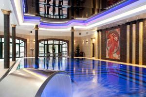 Basen w obiekcie Hotel Royal Baltic 4* Luxury Boutique lub w pobliżu