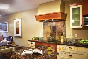 A kitchen or kitchenette at Solara Resort - Bellstar Hotels & Resorts