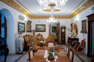 A seating area at Euro Hotel Iglesias
